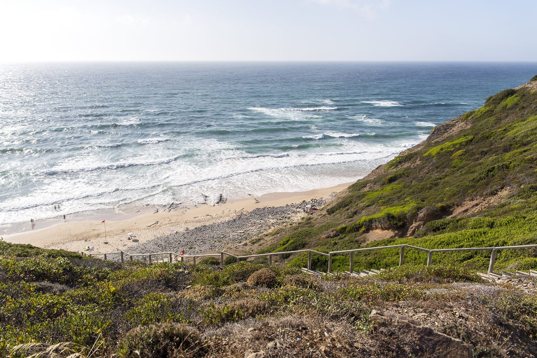 praia, praia do vale dos homens, vale dos homens, costa vicentina, algarve, roteiro algarve, mar, água, escadas, acesso, bandeira vermelha