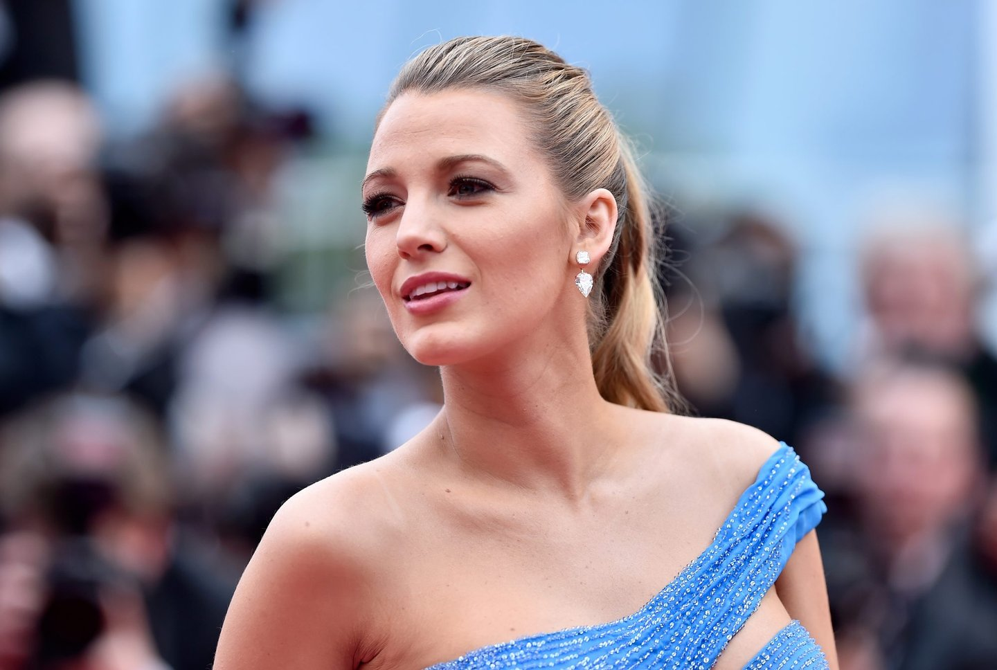 """CANNES, FRANCE - MAY 14: Blake Lively attends """"The BFG (Le Bon Gros Geant - Le BGG)"""" premiere during the 69th annual Cannes Film Festival at the Palais des Festivals on May 14, 2016 in Cannes, France. (Photo by Pascal Le Segretain/Getty Images)"""