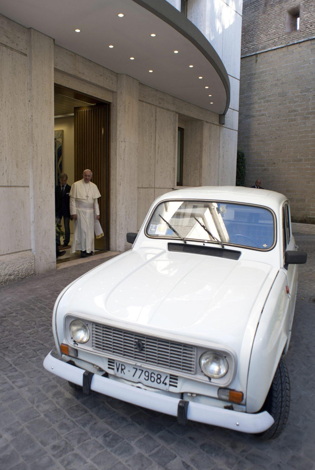 vatican-pope-new-car-1 (2)