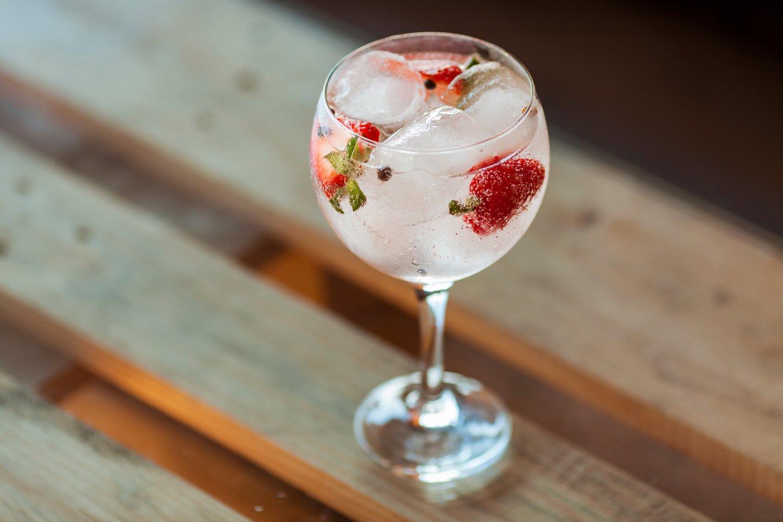 Juniper Tree, Gin, Strawberry, Sunset,