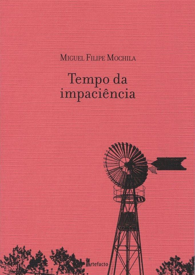 Miguel Filipe Mochila, tradutor, estreia-se aqui como poeta