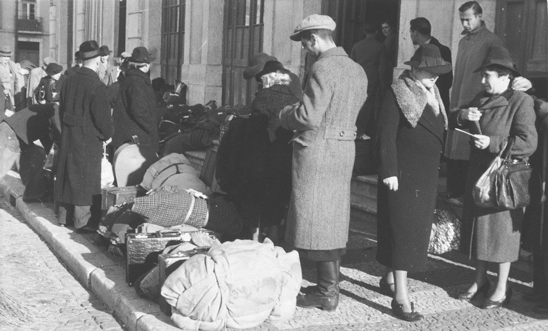 """Résultat de recherche d'images pour """"refugiados judeus lisboa"""""""