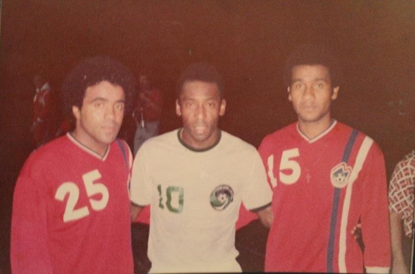 Quando jogou nos Estados Unidos contra Pelé