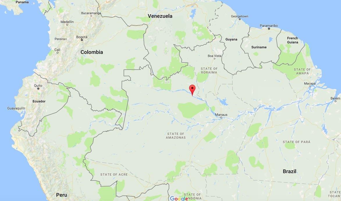 O rio Negro, afluente do Amazonas, passa no município de Barcelos (assinalado a vermelho) - Google Maps