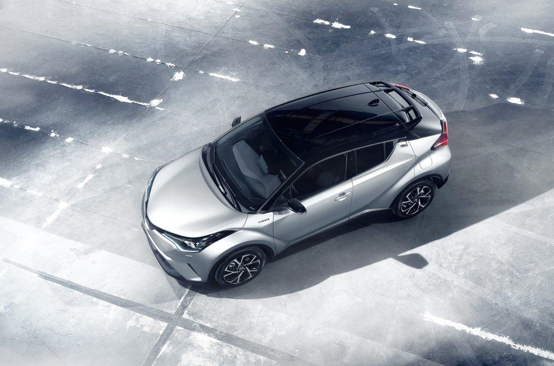 2016_Toyota_C-HR_STAT_09