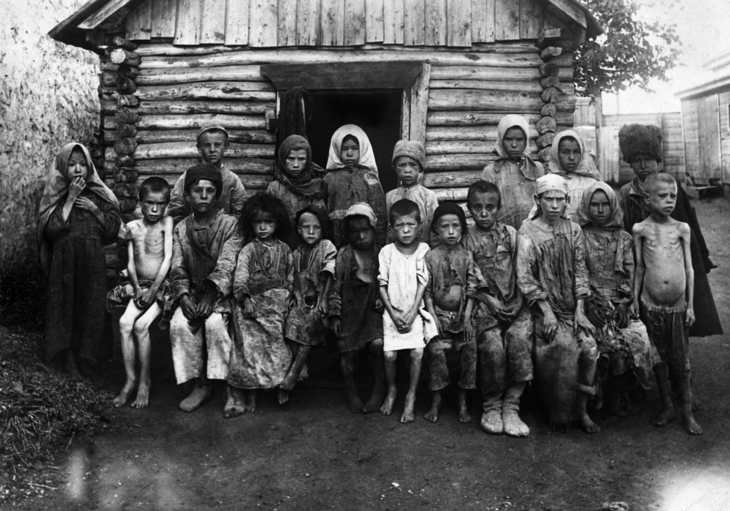 October 1921: Famine-stricken refugee children in Russia during the Russian Civil War. (Photo by Topical Press Agency/Getty Images)