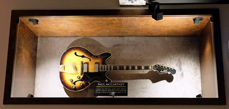 hard rock cafe guitarra rusty anderson