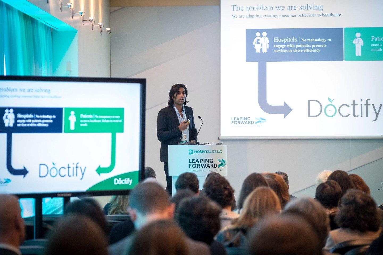 Suman Saha, diretor executivo da Doctify, apresenta a aplicação e fala da influência tecnológica na saúde.