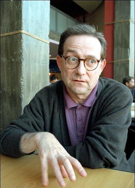 Joaquim Manuel Magalhães, fundador do grupo Cartucho, deixou de publicar em 2010, renega toda a sua obra e é um dos grandes poetas portugueses vivos