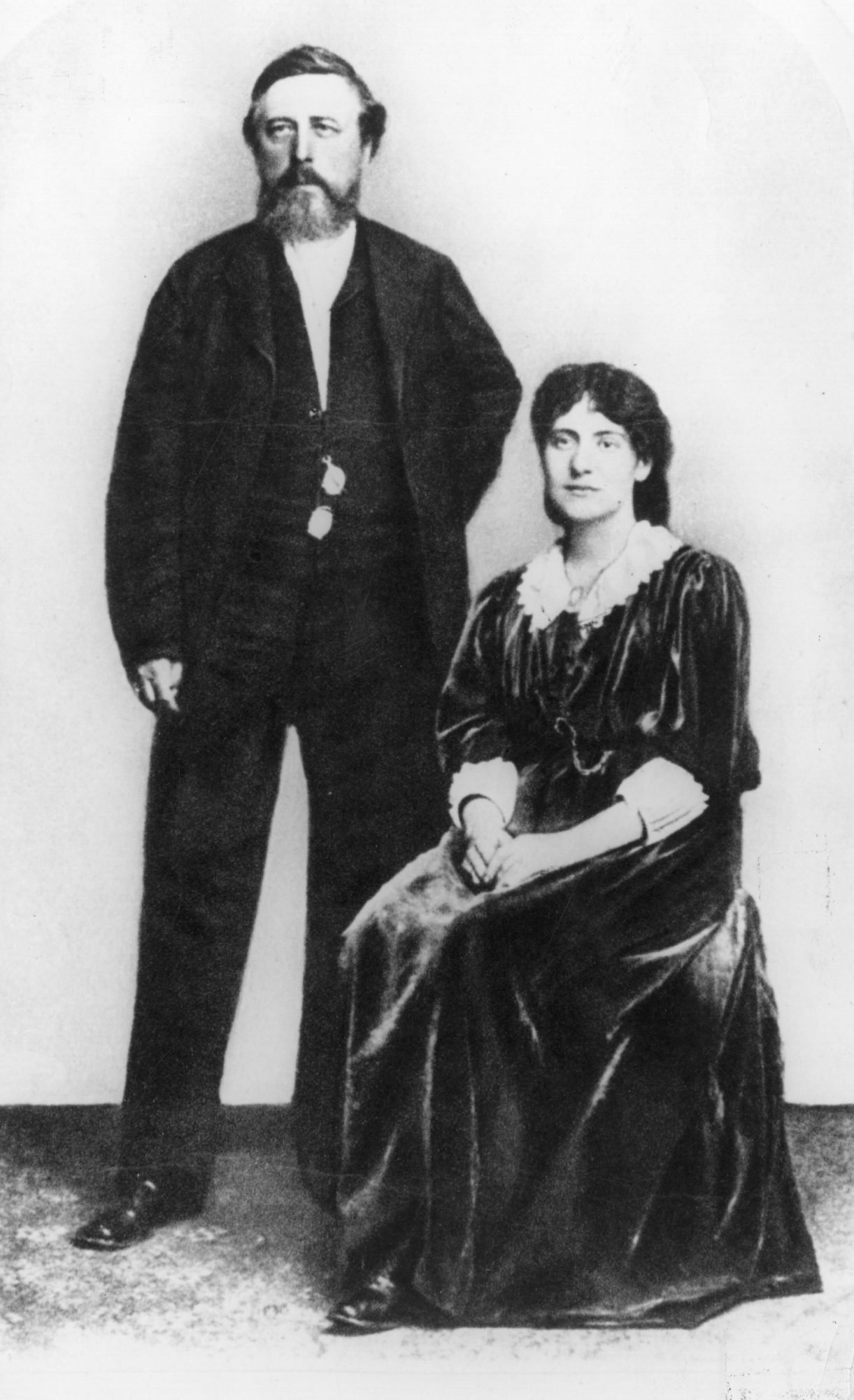 circa 1870: German socialist Wilhelm Liebknecht (1826 - 1900) with Tussy Marx, the daughter of Karl Marx. (Photo by Hulton Archive/Getty Images)