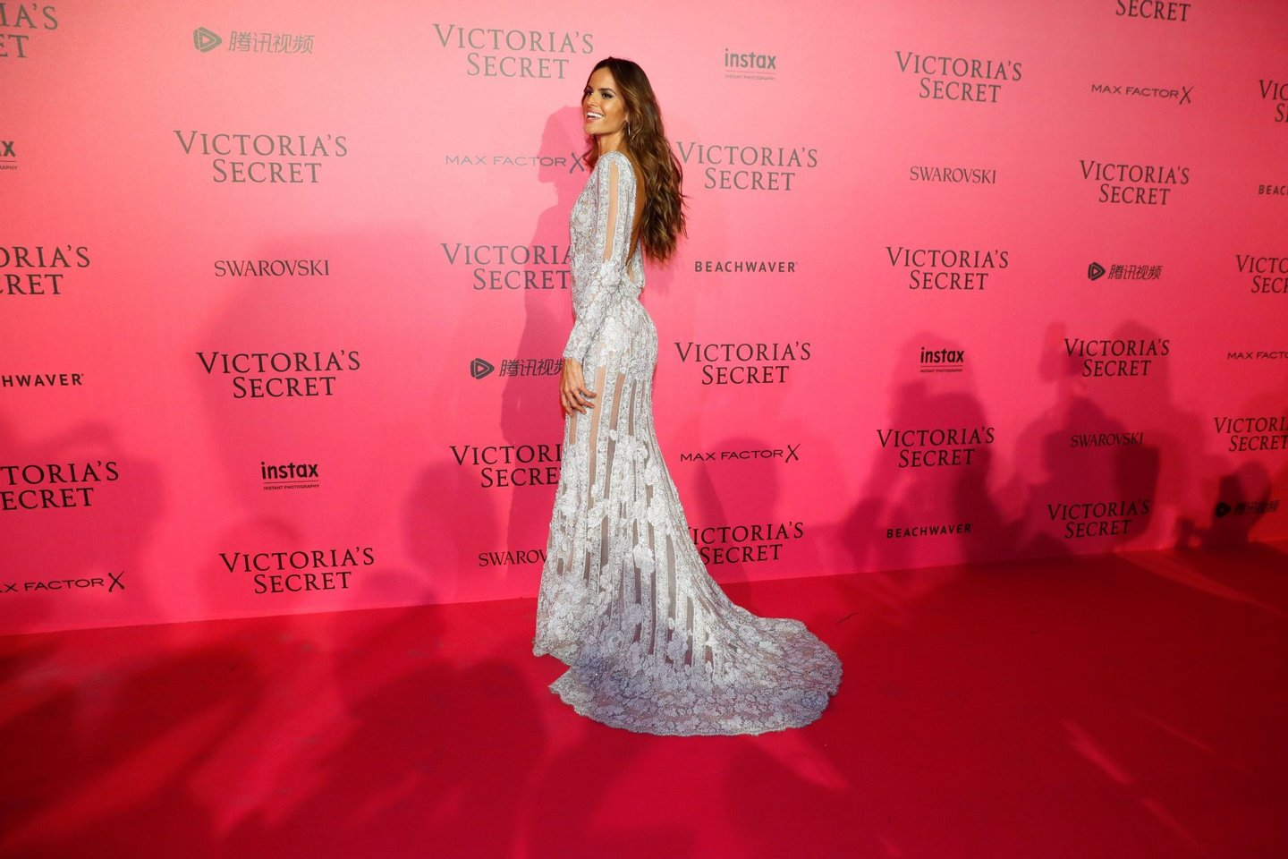 Brazilian model Izabel Goulart poses after taking part in the 2016 Victoria's Secret Fashion Show at the Grand Palais in Paris on November 30, 2016. / AFP / Patrick KOVARIK / RESTRICTED TO EDITORIAL USE (Photo credit should read PATRICK KOVARIK/AFP/Getty Images)