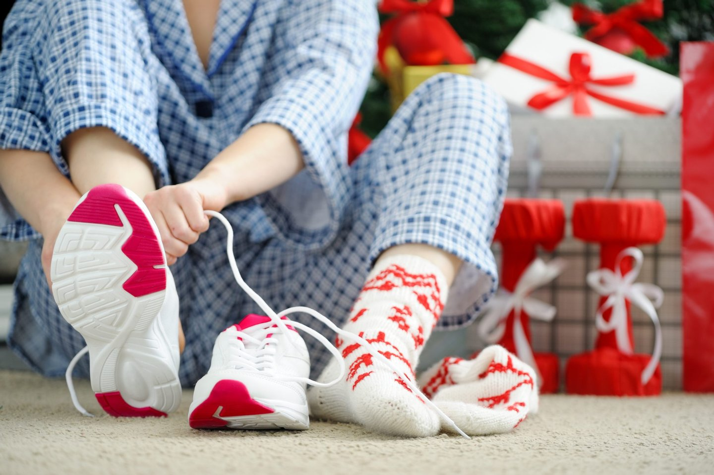 Morning, Tighten, Women, Sports Clothing, Christmas Present, Shoelace, Unpacking, Holding, Jogging, Action, Joy, Red, Low, Sport, Lifestyles, Indoors, People, Gift, Living Room, Footpath, Christmas, Birthday, Shoe,