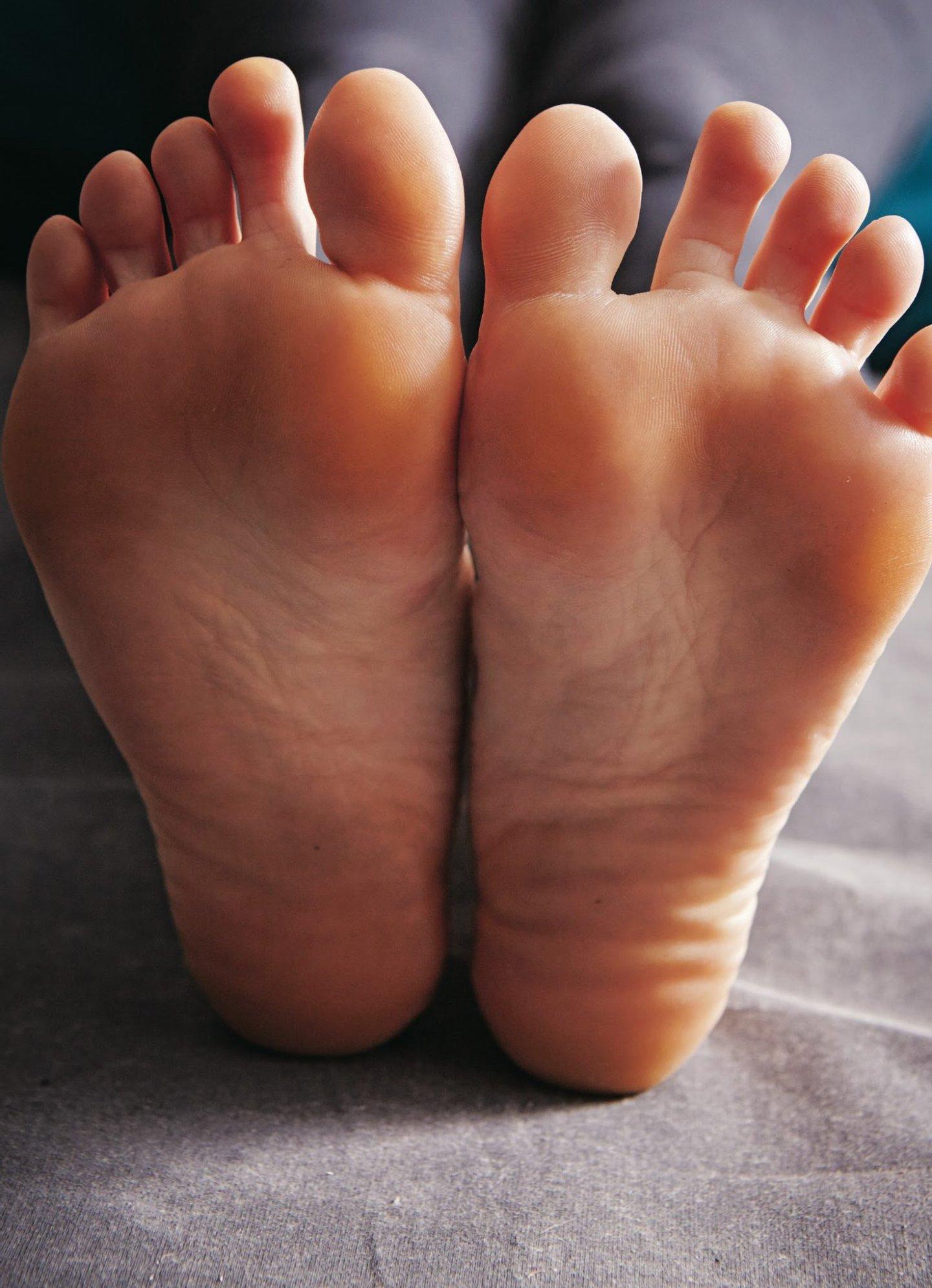 01_140523_LIPPMAN_New_Health_Rules_yoga_342_conver