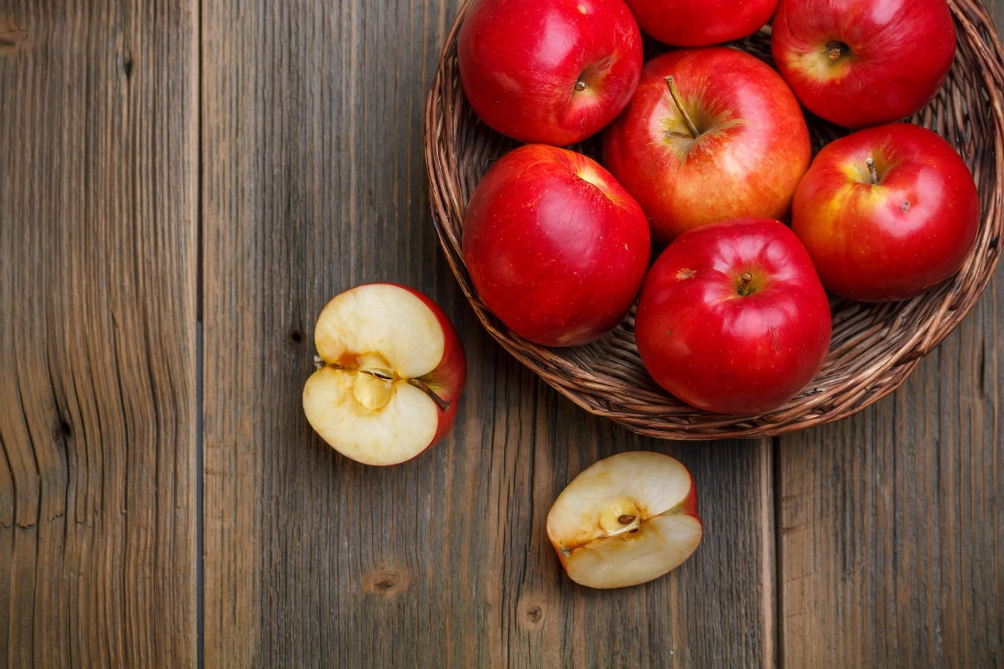 Apple, Basket, Directly Above, Food, Freshness, Fruit, Healthy Eating, Nature, No People, Old, Organic, Raw, Red, Refreshment, Ripe, Table, Wood,