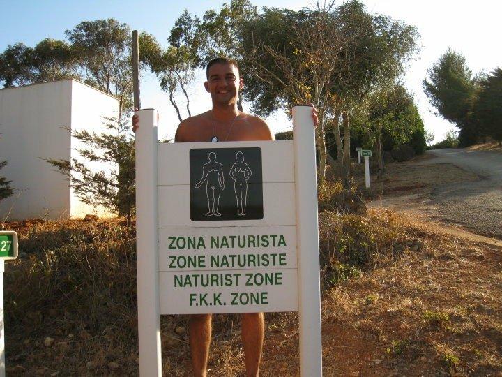 Aqui a nudez é natural. E recomenda-se - Observador