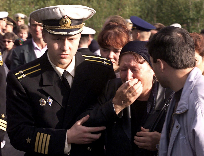 зависимости внутреннего фотографии экипажа подводной лодки курск лестница второй