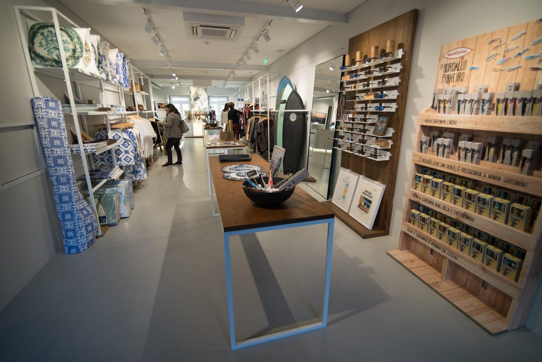 A loja tem a curadoria da Papua e cada marca pode alugar um único  expositor. Escusado será dizer que os produtos portugueses têm prioridade ©  João Seguro  ... e51aaf910c0