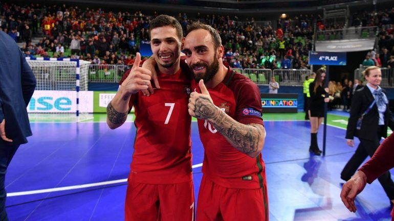 38ad495df8 Portugal é campeão europeu de futsal após vencer Espanha no prolongamento -  como aconteceu