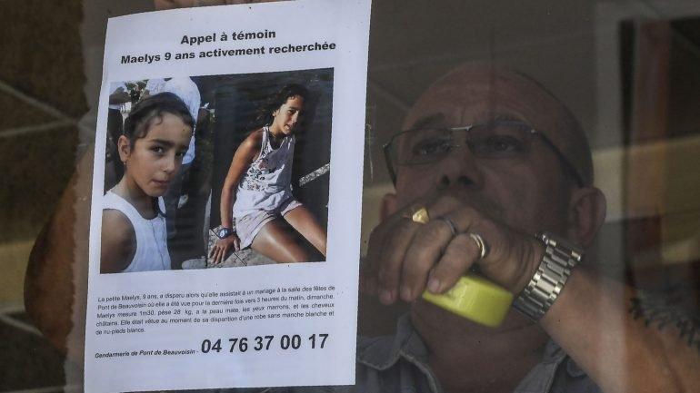 ADN de Maëlys de Araújo encontrado no sofá da casa onde ...