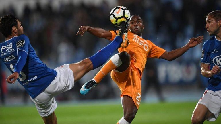 b57dff00f0ad0 FC Porto perde com o Belenenses no Restelo por 2-0 e Benfica é líder  isolado da Liga - como aconteceu