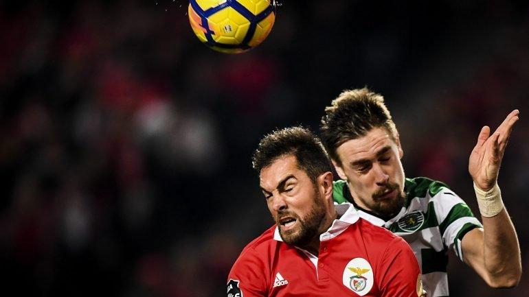 Dérbi entre Sporting e Benfica acaba empatado sem golos e FC Porto é  campeão - como aconteceu ec6e6da14b092