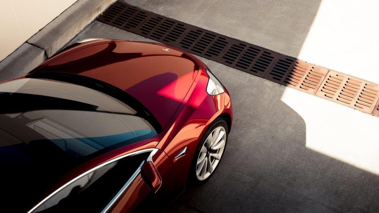 Model 3 mais barato. Tesla corta nos preços - Observador