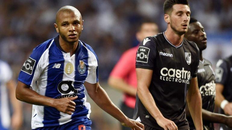 FC Porto perde em casa frente ao V. Guimarães por 3-2 depois de ter estado  a ganhar por 2-0 - como aconteceu f13f4b24671fc