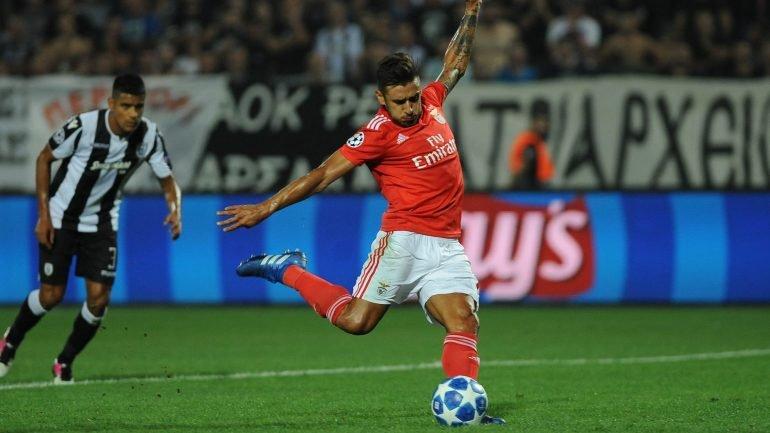 bc099957b4 Benfica virou o jogo e embalou para uma goleada por 4-1 que carimbou o  acesso à fase de grupos da Liga do Campeões - como aconteceu