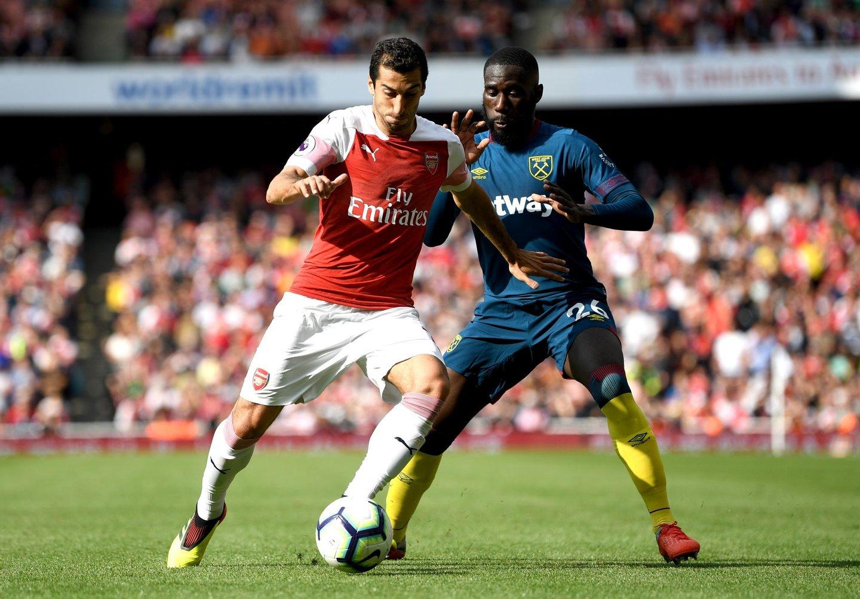 40c26f62d57 Mudanças no Arsenal  vão voltar a vestir Adidas e Emery proíbe sumos ...