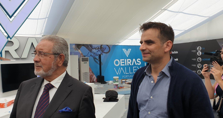 6cc9d6afbcd82 Isaltino Morais, presidente da Câmara Municipal de Oeiras, e Paulo Rocha  Cardoso, fundador da Comic Con Portugal, apresentam uma das tendas do  evento, ...