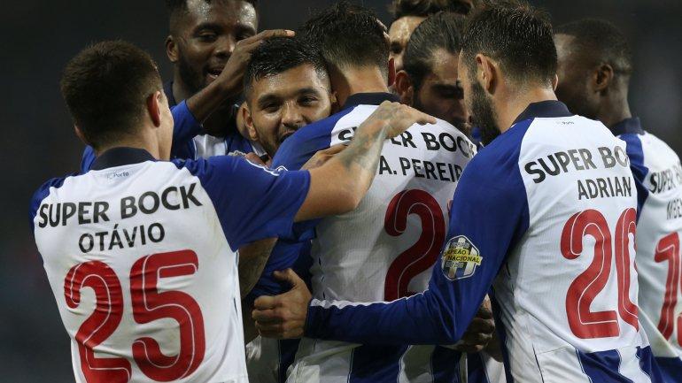 29dc7fe07a FC Porto sofre mas vence Varzim no Dragão e está na liderança do Grupo C da  Taça da Liga (4-2) - como aconteceu