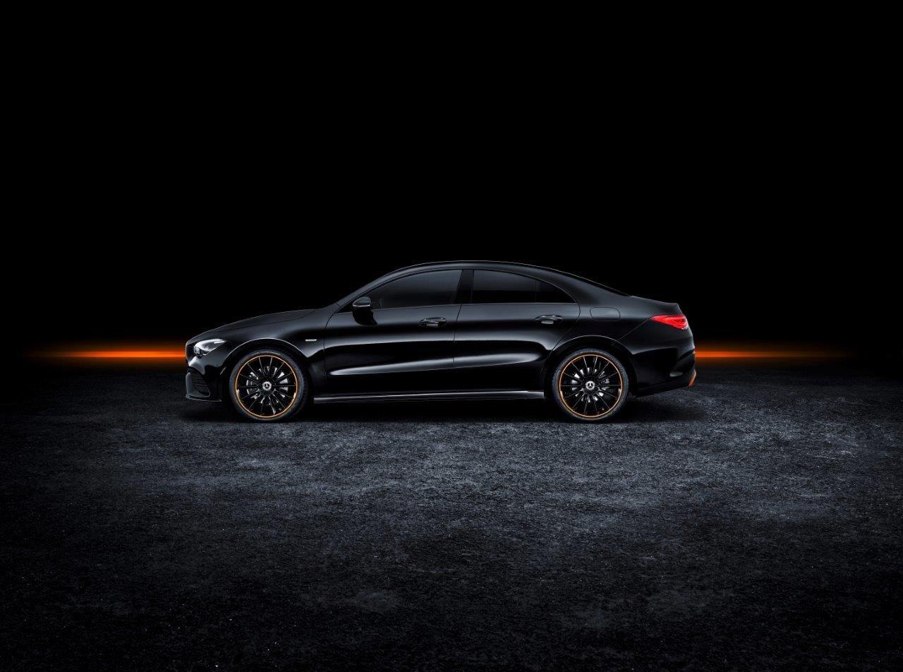 d1584438e Depois de ter vendido à volta de 750 mil unidades, entre CLA e shooting  brake, o coupé compacto de quatro portas entra na segunda geração piscando  o olho a ...