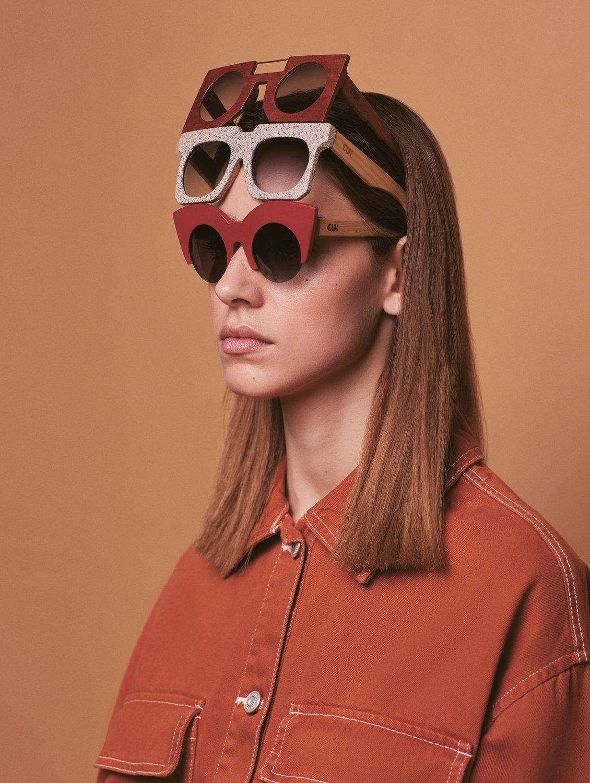 a6ade5b166 Ana começou a desenhar óculos ainda na Universidade da Beira Interior.  Tinha colegas em Design de Moda que precisavam de acessórios para a coleção  de final ...