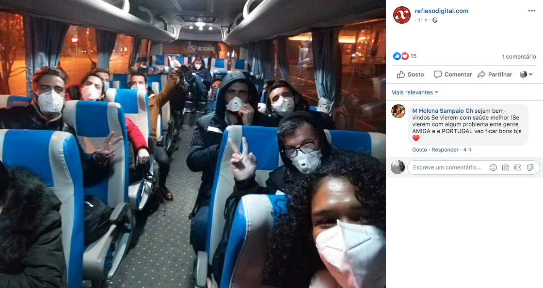 Grupo de portugueses residentes em Wuhan a caminho do aeroporto