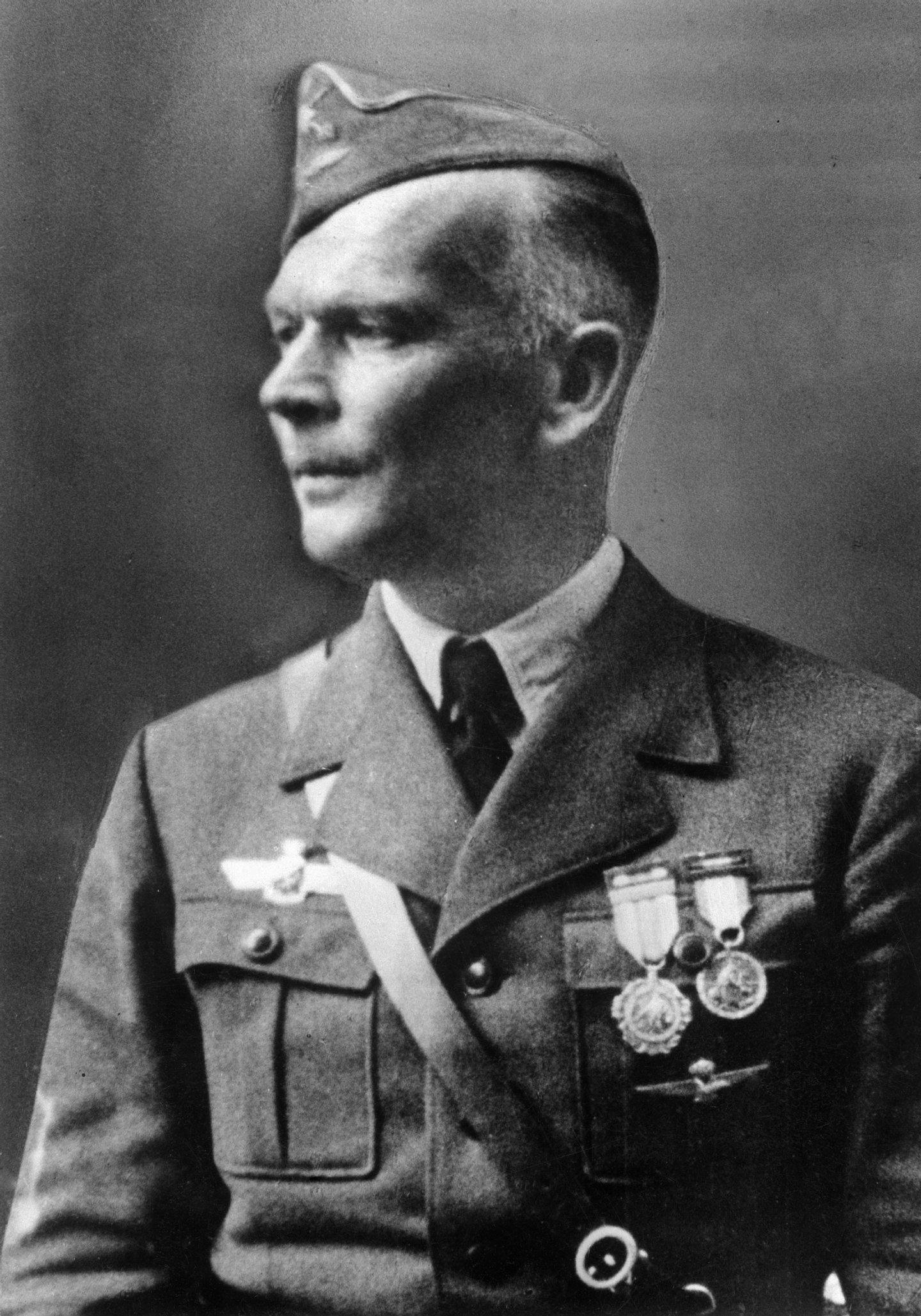 Richthofen, Wolfram Karl Ludwig Freiherr von1895-1945Officer, General Field Marshall (Air Force) , Germanyportrait as major general and commander of the Legion Condor after his return to germany (decorated spanish Medalla Militar in gold.
