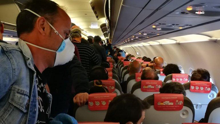 Voo quase cheio da Iberia gera indignação entre os passageiros ...