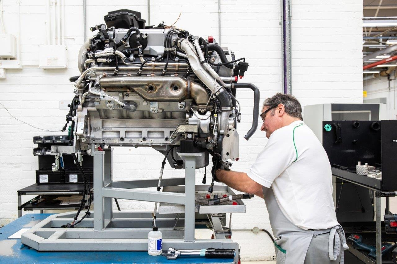 Bentley stops producing V8 with more than 60 years