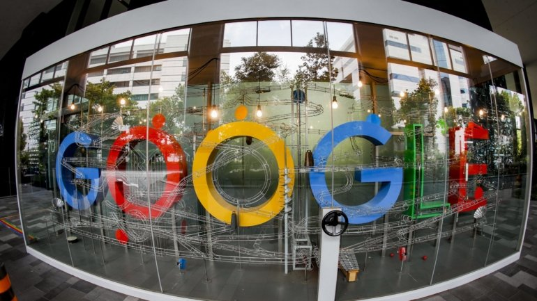 Google will go on to pay for content to some social media