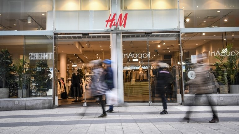 H&M posts losses of 292 million euros in the first half after profits in the year...