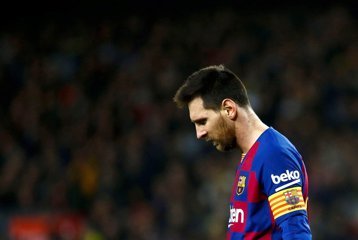 epa08625664 (FILE) - FC Barcelona's forward Lionel Messi reacts during the Spanish LaLiga soccer match between FC Barcelona and Real Madrid, in Barcelona, Spain, 18 December 2019, re-issued 25 August 2020. Messi has sent a certified letter to the club on 25 August communicating his intentions to leave the club. EPA/ENRIC FONTCUBERTA *** Local Caption *** 55718616