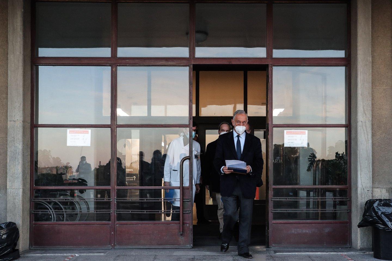 O candidato à Presidência da República, Marcelo Rebelo de Sousa, após a visita ao Hospital Santa Maria onde teve uma reunião com o Conselho de Administração, no âmbito da campanha eleitoral para as eleições presidenciais, Lisboa, 17 de janeiro de 2021. MÁRIO CRUZ/LUSA