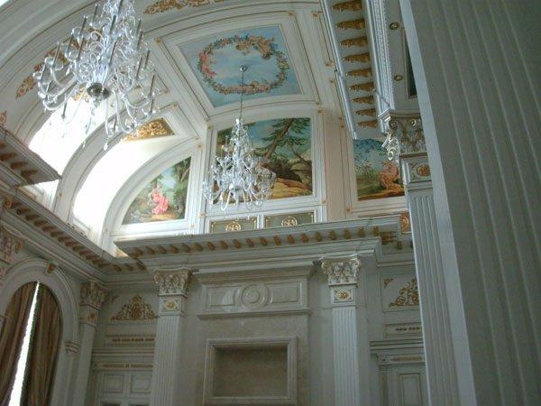 O luxuoso palácio de mil milhões que Putin diz não ser seu ...
